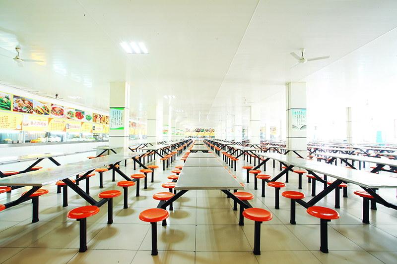 学院食堂二楼